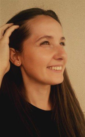 Specialist in Infrumusetare | Cosmetica | Aromaterapie | Tratamente de infrumusetare si holistice