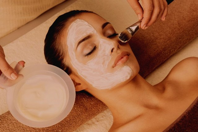 Tratament Acnee | Tratament Ten Uleios | Tratament Ten Sensibil | Tratament Facial cu Uleiuri Esentiale